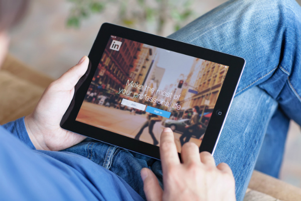 Social marketing: 4 ways to become a LinkedIn pro