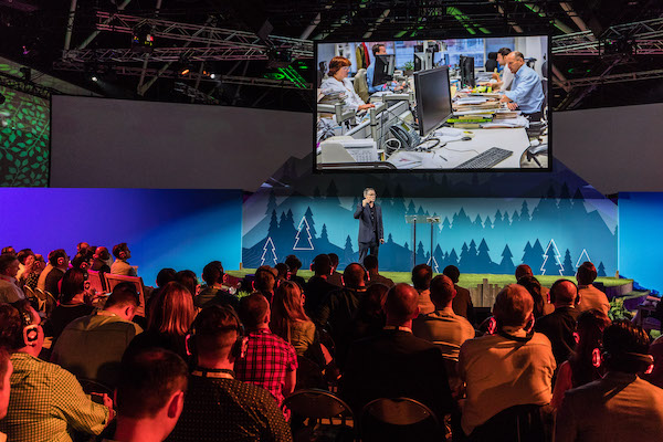4 world-class experts share their best sales tips at the Salesforce World Tour Sydney