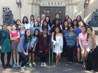 #WIT: Teaching With Girls Who Code is a Great Way to Volunteer