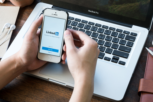 5 Signs of a Strong LinkedIn Presence